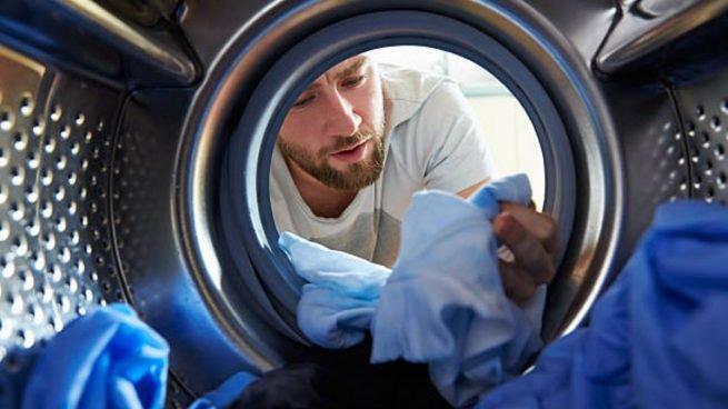 Trucos para evitar que tu ropa se decolore en la lavadora